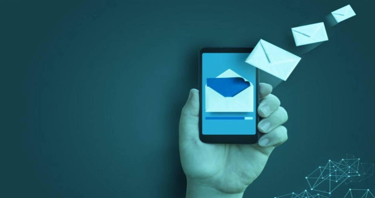 Mass marketing_ the advantages of sending SMS in the Contact Center