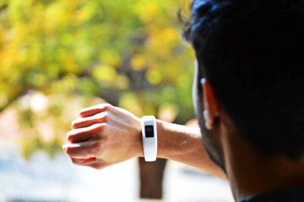 Small Smartwatch For Small Wrist connected To Android