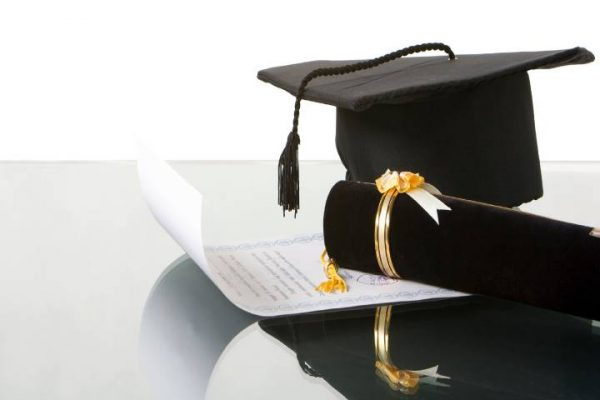 Popular Career Opportunities That You Can Opt after Diploma in Fashion Design